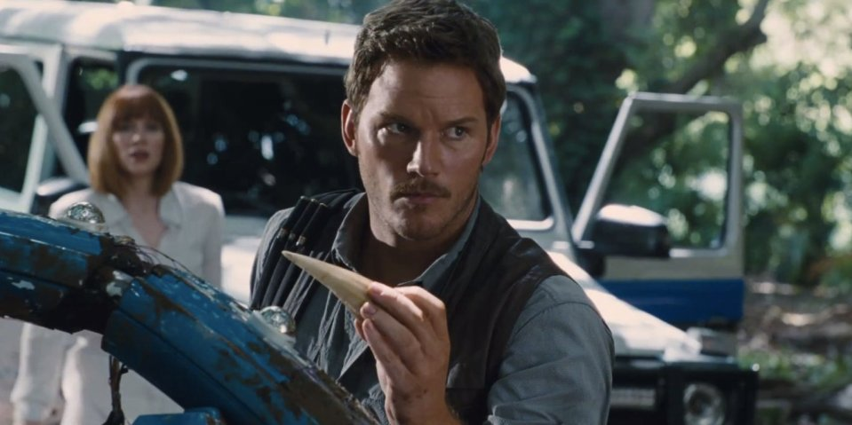 JURASSIC-WORLD-facebook